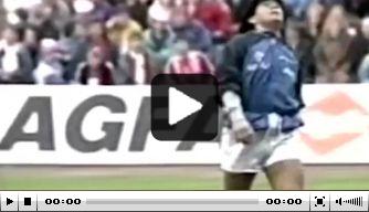 Kijk terug: legendarische warming-up van Maradona
