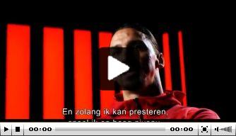 Video: Zlatan komt met mooie belofte en blijft voorlopig spelen