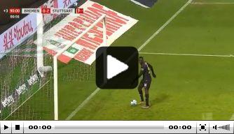 Video: Bizarre goal Stuttgart leidt tot opstootje en geel
