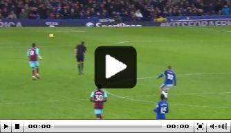 Video: Rooney maakte fraaie goal vanaf eigen helft