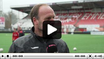 Video: Emmen-trainer Lukkien ontsnapte na RKC aan boetes