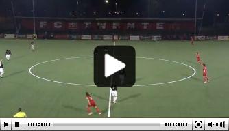 Video: FC Twente-speelster scoort bijna vanaf de aftrap