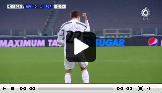 Video: Juventus terug in de wedstrijd na fraaie goal Chiesa