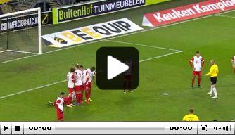 Video: Van Hooijdonk beslist NAC-duel met fraaie vrije trap