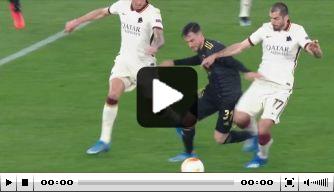 Ajax denkt op 0-2 te komen, maar doelpunt wordt afgekeurd