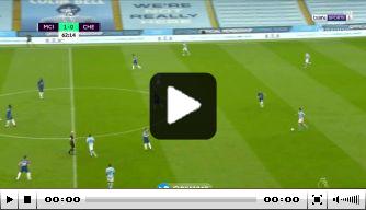 Video: Fraaie goal Ziyech dreigt kampioensfeest City te verpesten