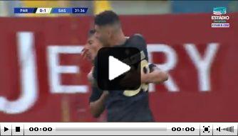 Video: Parma-speler gaat viral met krankzinnig mooie treffer