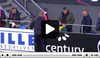 Jochie krijgt bal in gezicht, Telgenkamp geef handschoenen weg