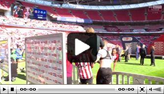 Video: interview Brentford-coach ruw verstoord door spelers
