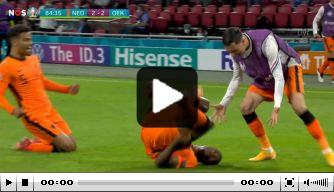 Video: Dumfries staat er nu wél en kopt Oranje op voorsprong