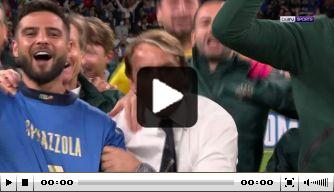 Mooi beeld: Italiaanse spelers vieren feest voor Spinazzola