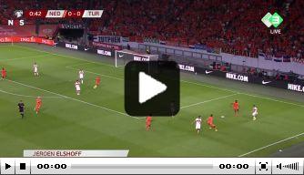 Heerlijke Play Station-goal: Klaassen schiet Oranje op voorsprong