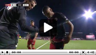 Video: Excelsior-speler Chacon mag niet invallen vanwege broekje