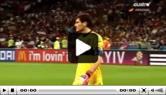 Video: Casillas vraagt om einde EK-finale