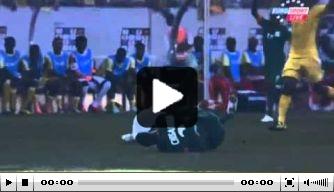 Video: keeper Ethiopië krijgt rood op brancard