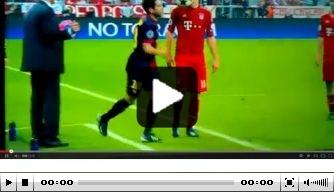 Video: Jordi Alba gooit bal in gezicht Robben