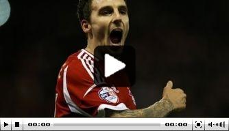 Video: Nottingham-aanvaller schiet heerlijk raak