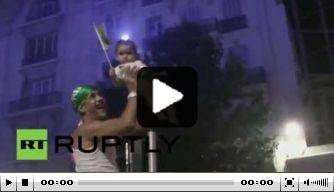 Video: festiviteiten in Frankrijk na doorgaan Algerije