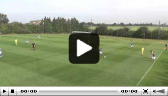 Video: Ipswich-talenten scoren na sensationele aanval