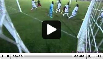 Video v/d dag: Kameroener scoort direct uit corner
